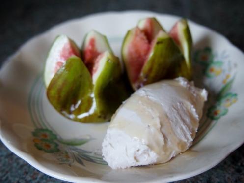 Figs and Coconut Cashew Cream